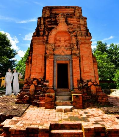 Tháp Chót mạt (ấp Xóm Mới, Tân Phong, Tân Biên, Tây Ninh). Ảnh Duy Hậu