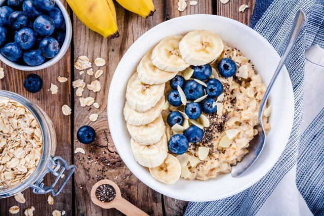 Ăn ngũ cốc vào bữa sáng sẽ giúp bạn không bị tăng cân.