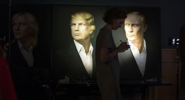 Chân dung Tổng thống Mỹ và Tổng thống Nga tại Moskva.