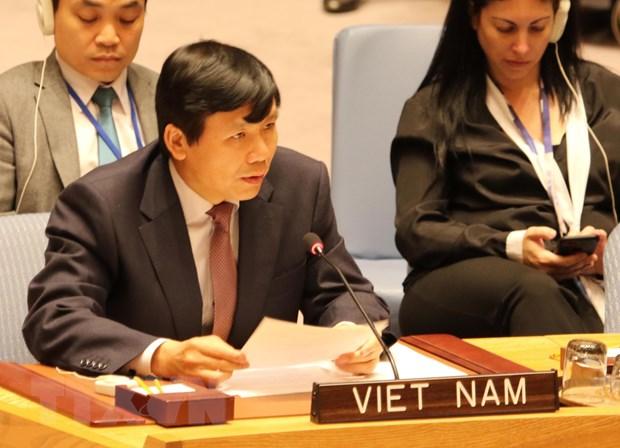 Description: Viet Nam dai dien ASEAN cam ket bao ve dan thuong trong xung dot hinh anh 1