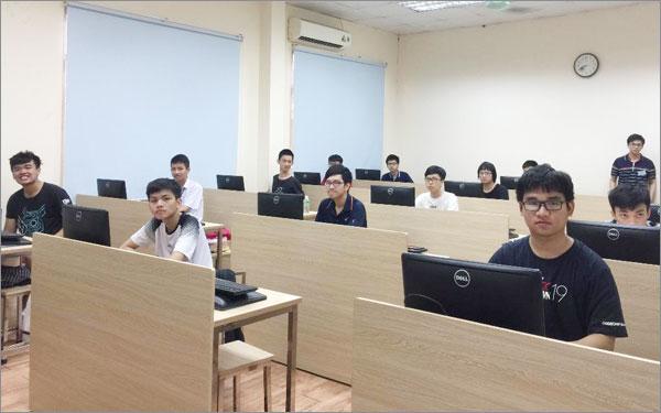 Description: 7 học sinh Việt Nam đều đoạt huy chương Olympic Tin học châu Á 2019