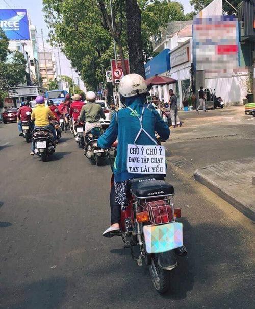 Description: Những thông điệp dễ thương trên đường phố