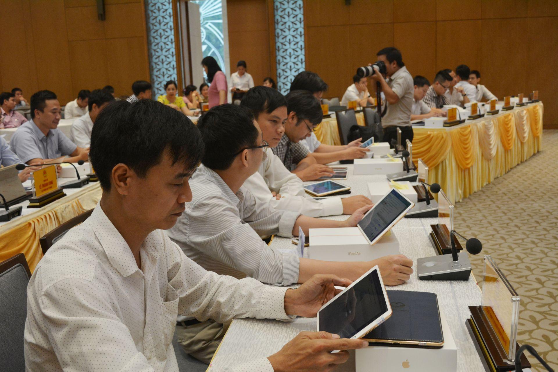 Description: http://baochinhphu.vn/Uploaded/dangdinhnam/2019_06_22/Tap%20huan%203.jpg