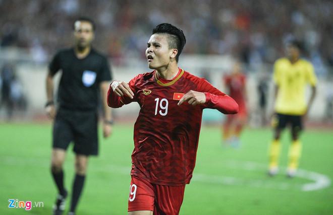 Description: CDV quoc te khen Quang Hai sau pha ghi ban vao luoi Malaysia hinh anh 1