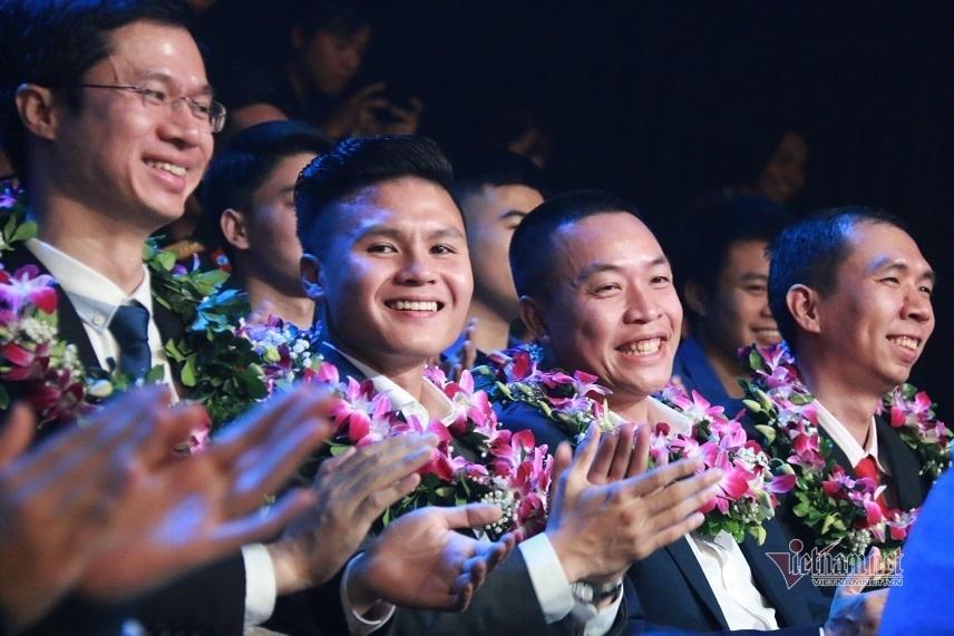 Description: Cầu thủ Quang Hải trúng cử ủy viên Ủy ban Hội Liên hiệp Thanh niên Việt Nam