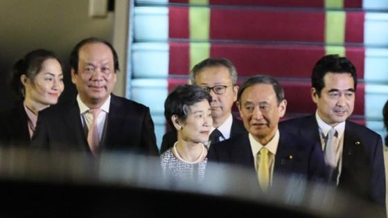 Thủ tướng Nhật Bản Suga Yoshihide đã tới Hà Nội, bắt đầu chuyến thăm chính thức Việt Nam ảnh 3