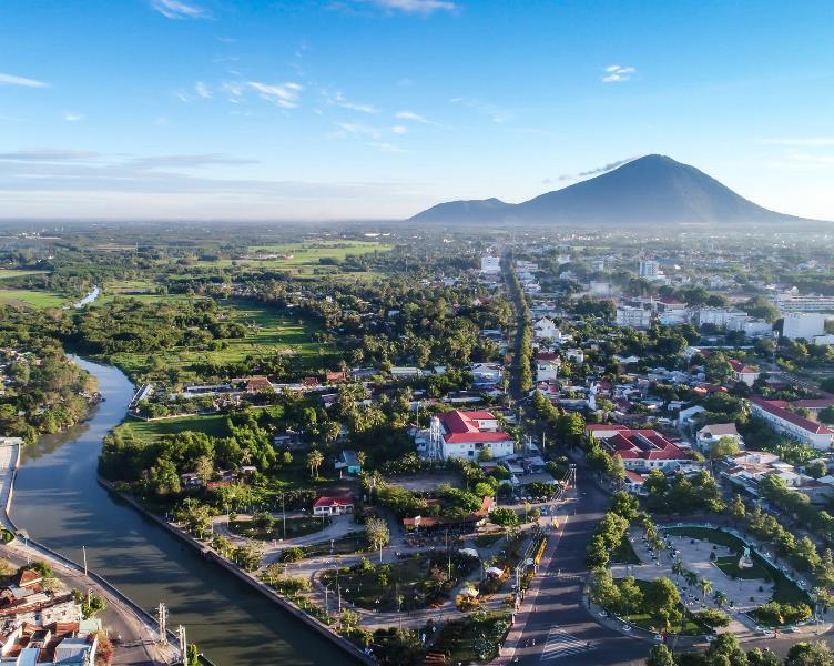 Thành phố Tây Ninh nhìn từ trên cao. (Ảnh: Vĩnh Tuyên)
