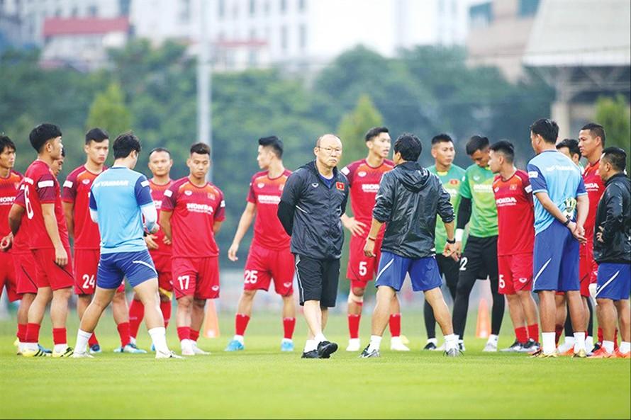 Ðội tuyển Việt Nam sẽ tập trung sớm để chuẩn bị cho Vòng loại cuối World Cup 2022 nếu V-League không thể khởi tranh. Ảnh: Anh Tuấn