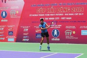 Trực tiếp trận thi đấu đơn nam giữa tay vợt Lý Hoàng Nam và Manish SURESHKUMAR