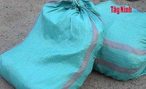 CATP.Tây Ninh: Bắt đối tượng vận chuyển pháo trái phép