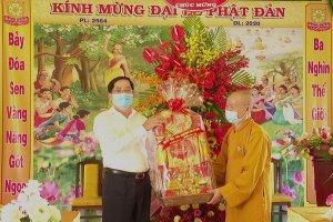 Bí thư Tỉnh uỷ thăm, chúc mừng Phật đản 2020