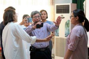 Báo Tây Ninh: Tập huấn kỹ năng chụp ảnh và sản xuất phóng sự trên smartphone