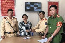Công an TP.Tây Ninh: Trao trả tài sản cho người dân bị đánh rơi