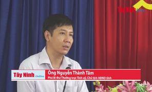 Ông Nguyễn Thành Tâm- Phó Bí thư Thường trực Tỉnh uỷ, Chủ tịch HĐND tỉnh giải đáp các ý kiến của cử tri.