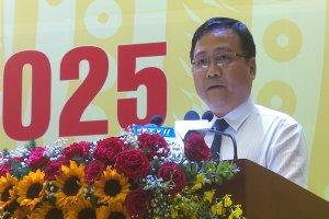 Ông Hồ Đức Hải- Phó Chủ tịch Uỷ ban MTTQ Việt Nam tỉnh đại diện cho khối đại đoàn kết toàn dân tộc tỉnh Tây Ninh phát biểu chúc mừng Đại hội