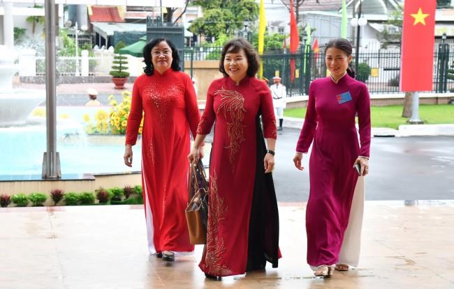 Nguyên Phó Bí thư Tỉnh uỷ, Chủ tịch UBND tỉnh Nguyễn Thị Thu Thuỷ và nguyên Phó Chủ tịch HĐND tỉnh Phan Thị Điệp về dự đại hội.