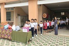 Trường Tiểu học Võ Thị Sáu tổ chức quyên góp ủng hộ miền Trung