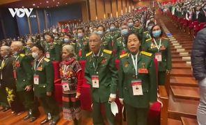 Clip 2.300 đại biểu cùng hát quốc ca tại phiên trù bị Đại hội Thi đua yêu nước lần thứ X. (Thực hiện: Trọng Phú)
