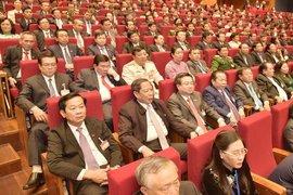 Ngày làm việc chính thức thứ 3, đại biểu tiếp tục thảo luận và nghe báo cáo về công tác nhân sự