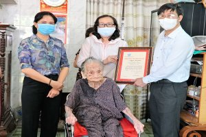 Bí thư Tỉnh ủy Nguyễn Thành Tâm: Thăm gia đình chính sách, người có công và công dân từ 100 tuổi