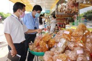 Tăng cường quản lý, kiểm soát an toàn thực phẩm trong sản xuất, kinh doanh đồ ăn chay