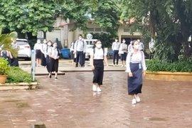 Campuchia mở cửa trở lại các trường học