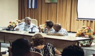 Ông Fidel Castro xuất hiện trước công chúng