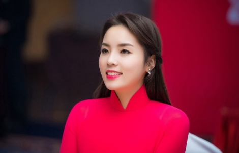 Hoa hậu Kỳ Duyên bị nghi phẫu thuật vì gương mặt sưng phồng