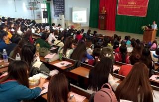 Truyền thông phòng chống tác hại của thuốc lá cho sinh viên
