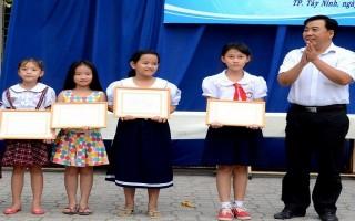 """Phòng GD-ĐT Thành phố Tây Ninh: Tổ chức hội thi """"vở sạch - chữ đẹp"""" cấp tiểu học"""