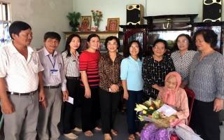 Chi hội Thiện Nhân TPHCM: Tặng 100 phần cho người nghèo huyện Châu Thành