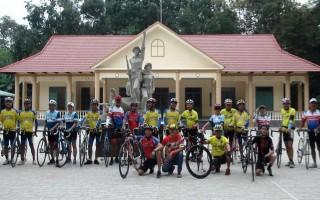 Ra mắt CLB xe đạp xã Lợi Thuận