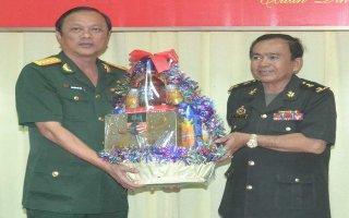 Tiểu khu quân sự tỉnh Oddar Meanchey thăm, chúc tết Bộ CHQS Tây Ninh