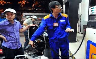Giá xăng giữ nguyên, dầu tăng giá