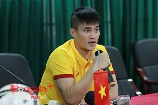 """Công Vinh: """"Đừng kỳ vọng ĐT Việt Nam lột xác"""""""