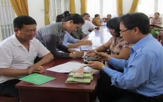 Tân Bình: Trao vốn hỗ trợ nông dân