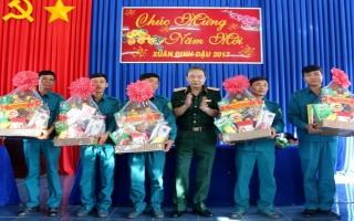 Chính uỷ Quân khu 7 thăm, chúc tết các đơn vị LLVT Tây Ninh