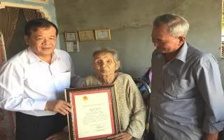 Lãnh đạo tỉnh: Thăm, trao thiếp mừng thọ của Chủ tịch nước đến công dân 100 tuổi
