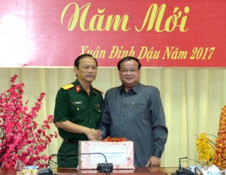 Cục Phát triển Bộ Quốc phòng, quân đội Hoàng gia Campuchia thăm, chúc tết Bộ CHQS Tây Ninh