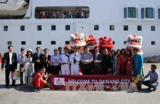 900 du khách 'xông đất' Đà Nẵng bằng đường biển