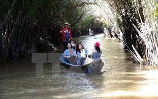 """Ngành du lịch Việt Nam """"bội thu"""" khách dịp Tết Đinh Dậu 2017"""