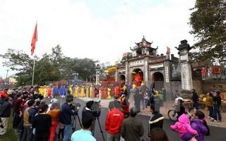 Thủ tướng yêu cầu tuyệt đối không đi lễ hội trong giờ hành chính