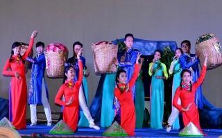 Tổng duyệt chương trình văn nghệ Họp mặt truyền thống Kim Quang