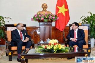 Phó Thủ tướng Phạm Bình Minh tiếp Đại sứ Ấn Độ Harish Parvathaneni