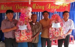 Tân Biên: Thăm, chúc tết đồng bào Khmer