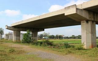 Trả lời cử tri Tây Ninh về tái đầu tư đường Hồ Chí Minh