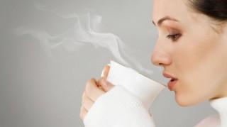 Vì sao bạn nên uống nước ấm hàng ngày?