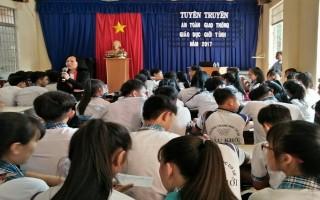 Hội LHPN xã Cầu Khởi: Tuyên truyền về ATGT, giáo dục giới tính cho học sinh
