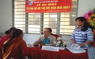 Hỗ trợ phụ nữ nghèo mua bảo hiểm Y tế