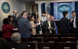 Ông Trump từ chối dự tiệc với báo chí